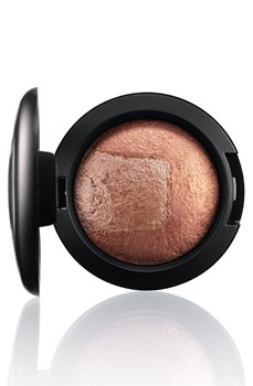 DivineNight-MineralizeEyeShadow-ExquisiteEgo-300_thumb[4]