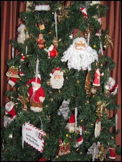 tree_closeup_santa2