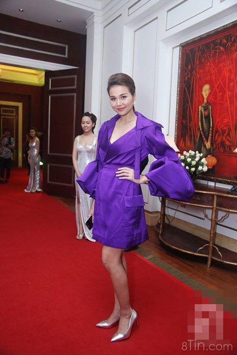 Mới đầu năm sao Việt đã mắc lỗi chọn trang phục xuề