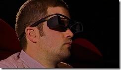 foto dos óculos para legendas e audiodescrição em desenvolvimento pela Sony