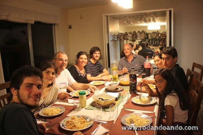 En Casa de Gert, con Gisella, Klaus y Sofia compartiendo una rica cena