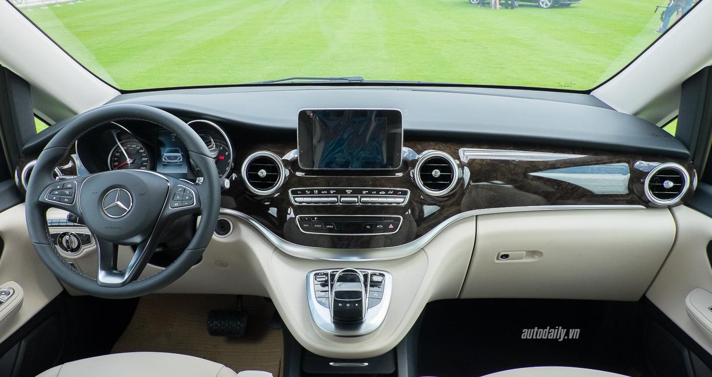 xe Mercedes Benz V250 8 chỗ Máy Xăng 07