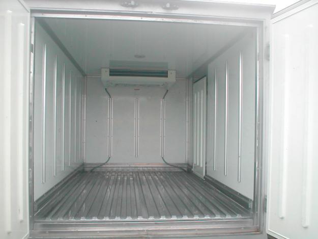 Thùng đông lạnh xe tải 1 tấn