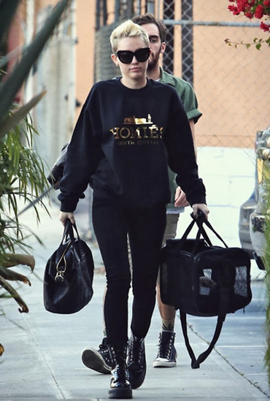 dvgxka-l-610x610-sweater-gold-black-writing-miley-cyrus-street-style-jumper-pull-over-shirt-homies-crew-neck-crewneck-top-streetstyle-dr-martens-platform-shoes