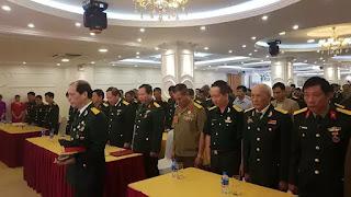 300 cán bộ, chiến sỹ, cựu chiến binh đại diện cho hơn 1.600 cán bộ, chiến sỹ Sư đoàn 338 tưởng nhớ các đồng đội đã hy sinh