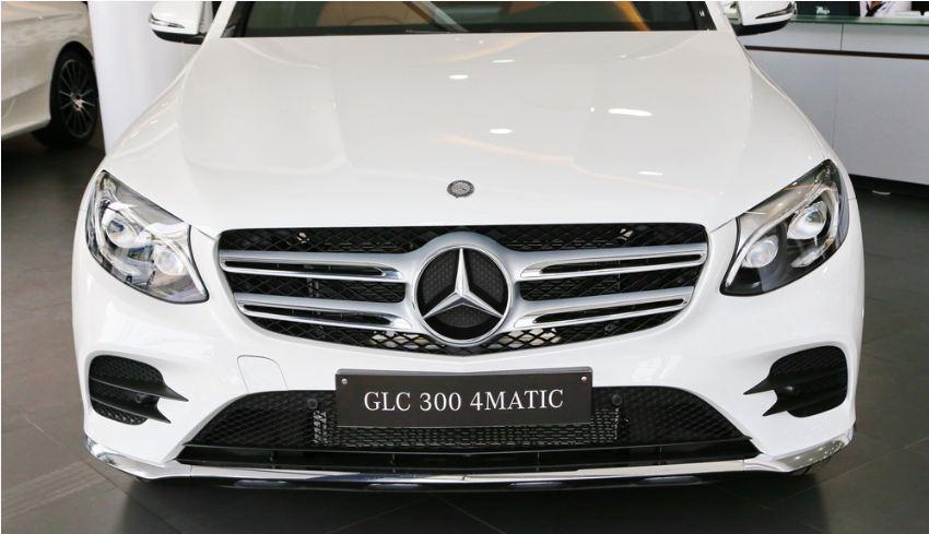 Xe Mercedes GLC 300 AMG màu trắng 05