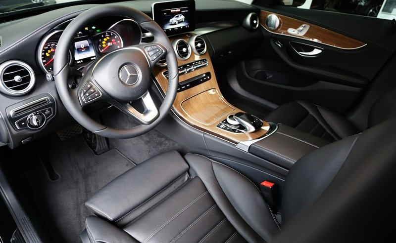 Nội thất xe Mercedes Benz C250 Exclusive new model 02