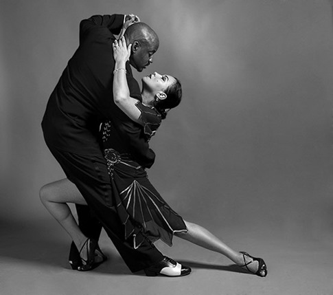 Tango in Black and White