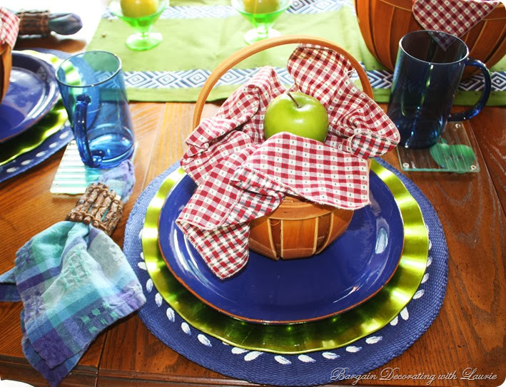 Supper in a Basket-Bargain Decorating with Laurie