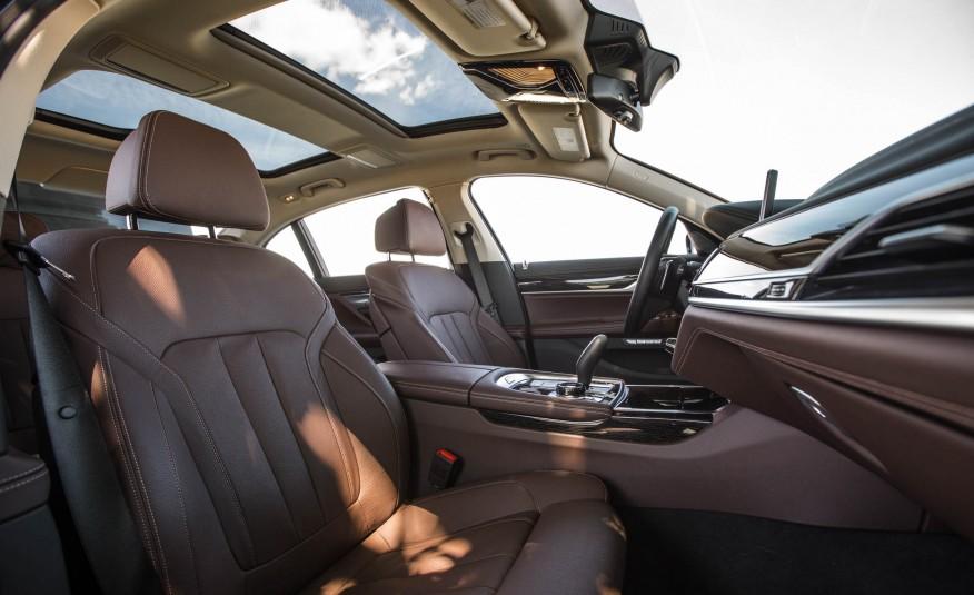 Xe BMW 730Li 08