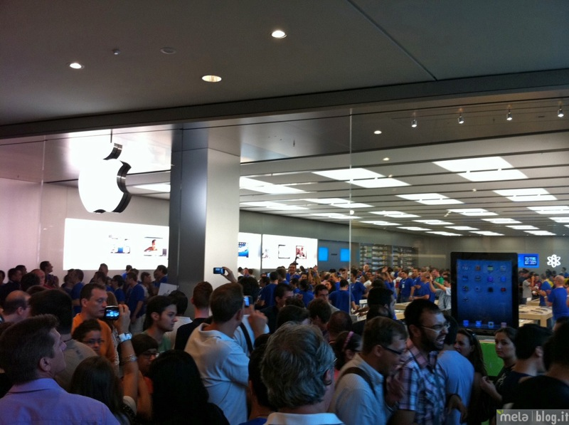 Big applestorecampaniainaugurazione 06