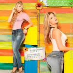 Angelica Jaramillo y Sofia Jaramillo Modelando D'Axxys Jeans Foto 11