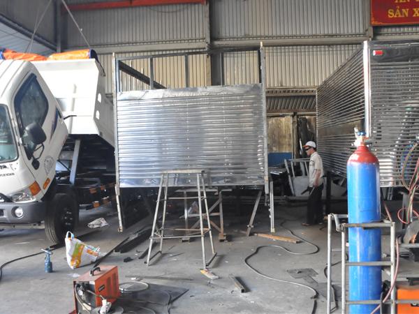 Xưởng đóng thùng bệ theo yêu cầu
