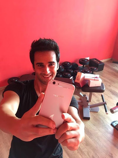 For my fans OPPOF1s Diwali Limited Edition is the special gift this