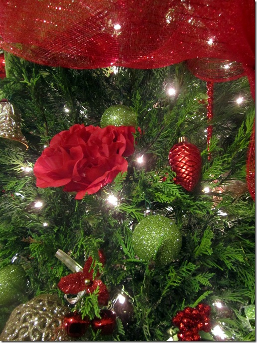Red Roses Christmas Tree Decor