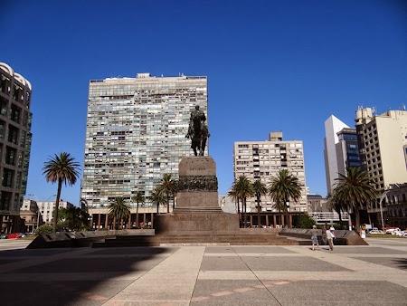 06. Statuia Artigas, Libertador del Uruguay.JPG