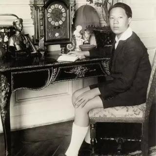 Hoàng tử Nguyễn Phúc Vĩnh Thụy khi học ở Pháp. Sau ông lên ngôi lấy hiệu là Bảo Đại và là Hoàng đế cuối cùng của triều Nguyễn