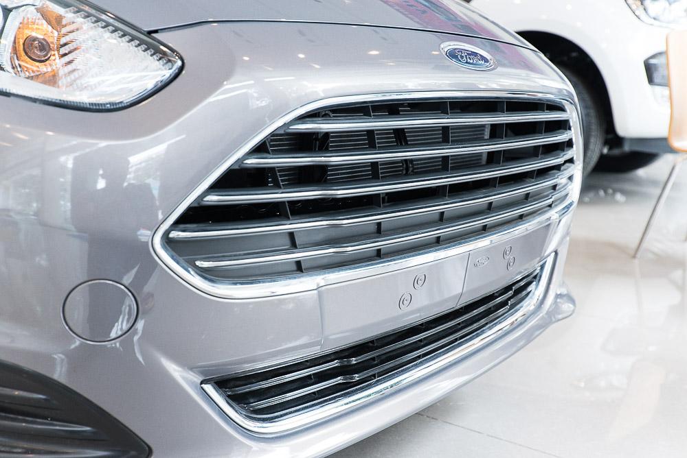 Xe ô tô Ford Fiesta 02