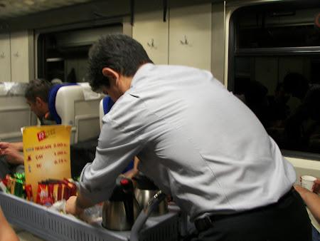 Transport Turcia: ceai negru in trenul spre Kars