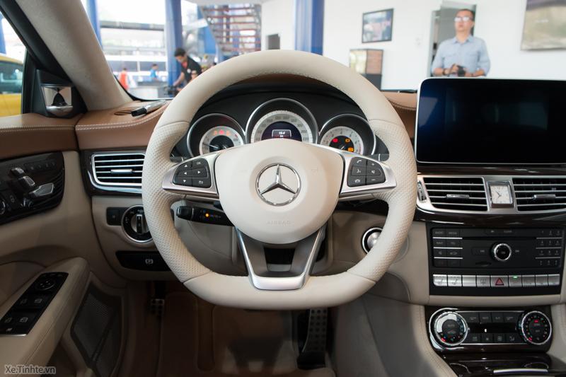 Xe Mercedes Benz CLS500 New Model màu trắng 014