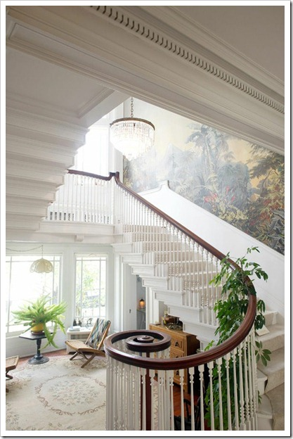 Mural staircase