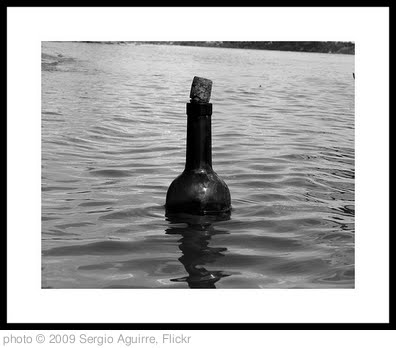 'Message in a bottle' photo (c) 2009, Sergio Aguirre - license: http://creativecommons.org/licenses/by/2.0/