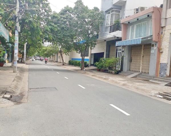 Nhà mặt tiền đường Lý Thánh Tông mới xây 3 tấm 1 sẹc, hẻm ô tô gần ngã 4 bốn xã 01
