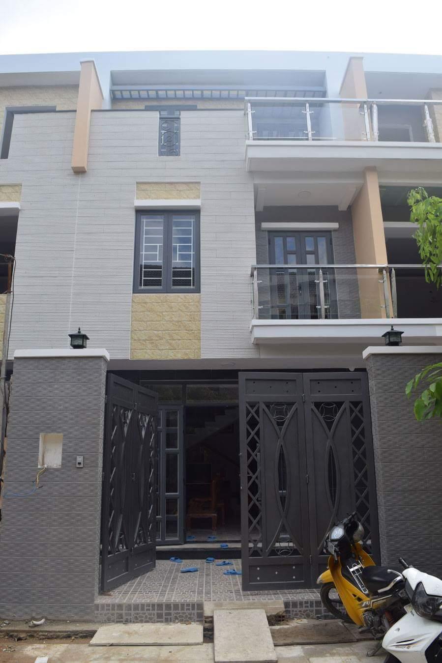 Nhà Phố Đường Bờ Bao Tân Thắng Quận Tân Phú 02