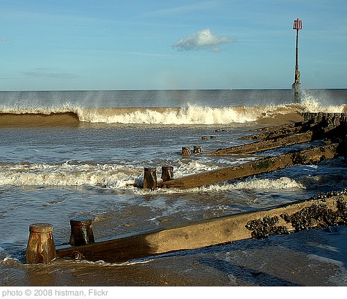 'Hornsea Beach' photo (c) 2008, histman - license: http://creativecommons.org/licenses/by/2.0/