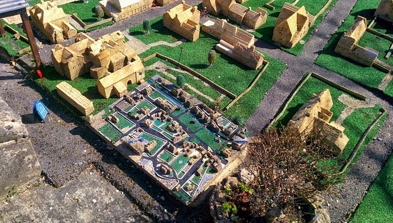 bourton-model-village-1