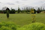 Pakeliui sustojome pasigrožėti V. Cibo ūkio sodybos parku