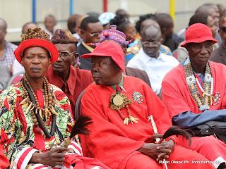 Des chefs coutumiers le 24/07/2011 au stade des martyrs à Kinshasa. Radio Okapi/ Photo John Bompengo