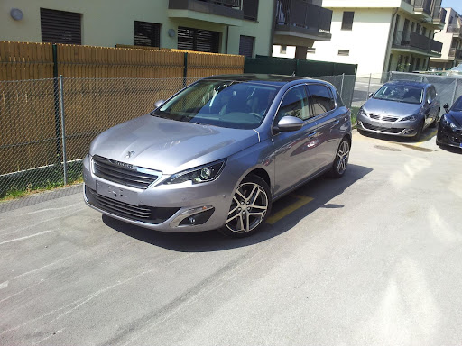 2014-Peugeot-308-1.jpg