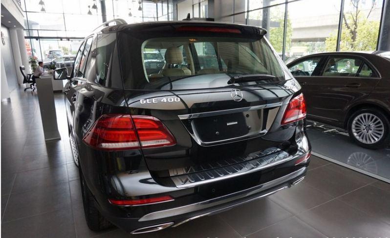 Xe Mercedes GLE 400 4Matic màu đen 09