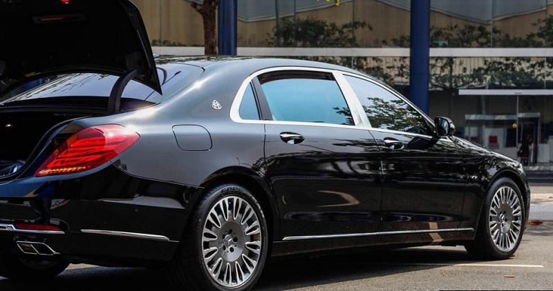 Xe Mercedes Benz S600 MAYBACH màu đen 010