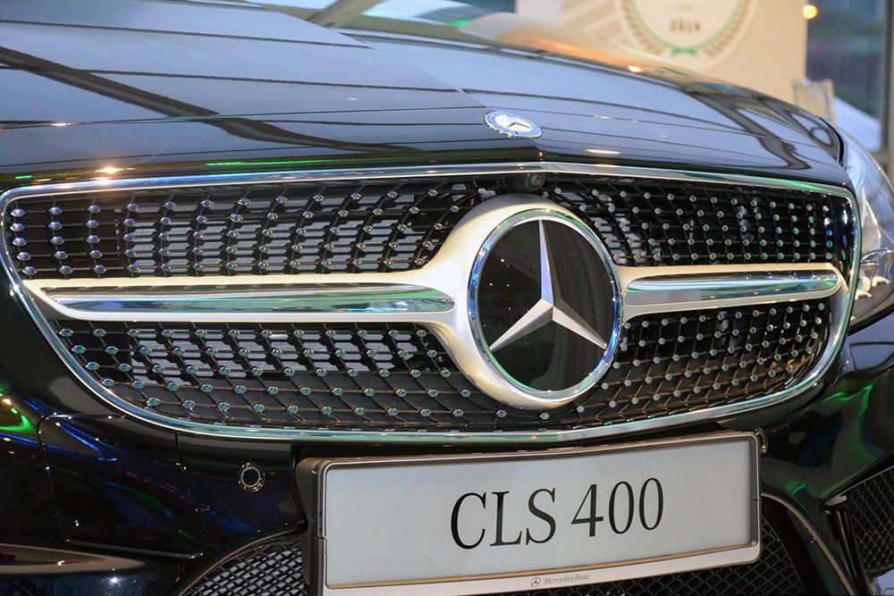 Xe Mercedes Benz CLS400 All New màu đen 02
