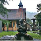 Skulptur vor dem Museum