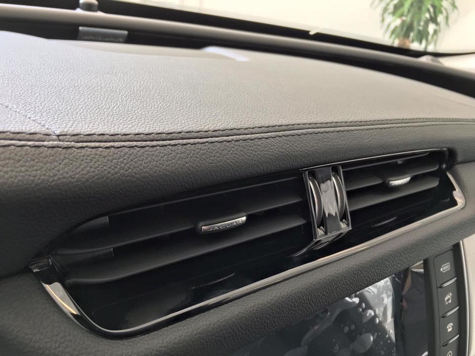 Giá xe Jaguar XF New Model 07
