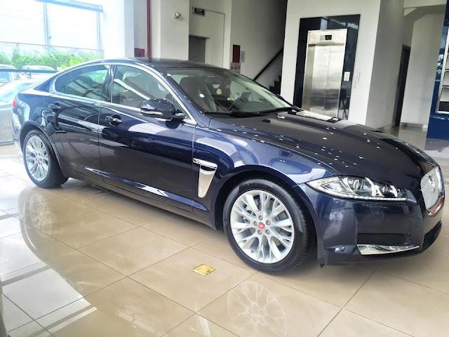 Xe Jaguar XF Premium Luxury 03