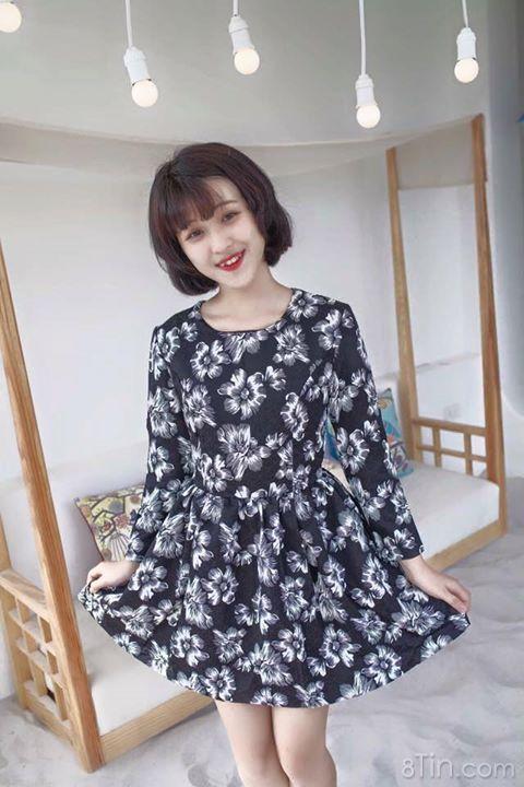 Váy hoa vải hơi mỏng nhưng chất gấm quá đẹp lun ạ :3