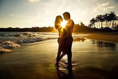 sunset-beach-lovers-webphoto