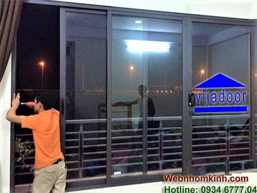 Lắp đặt cửa sổ mở trượt nhôm Xingfa khổ lớn