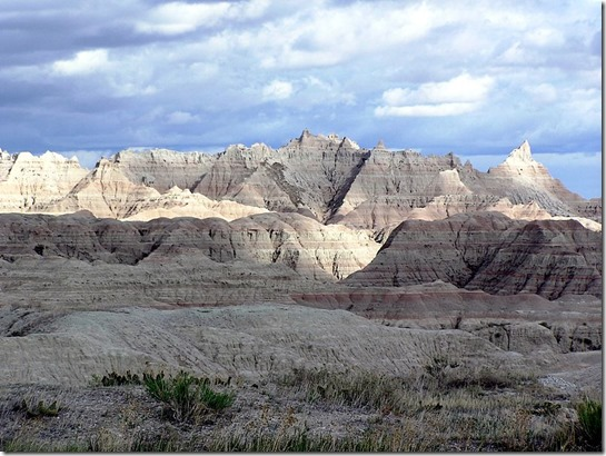 800px-Badlands3 Wikimedia Commons - Author Scott Catron