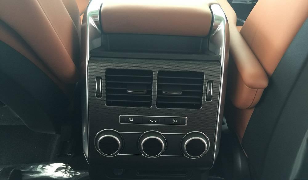 Xe Land Rover Range Rover HSE Sport Màu Trắng 013