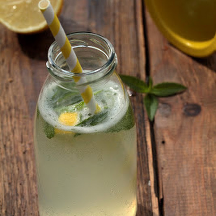 Refreshing Lemon Verbena Lemonade