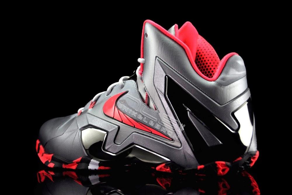 finest selection 4c7d5 473a6 The Showcase: Nike LeBron XI Elite