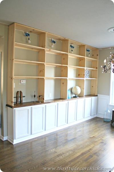 DIY built ins bookcase