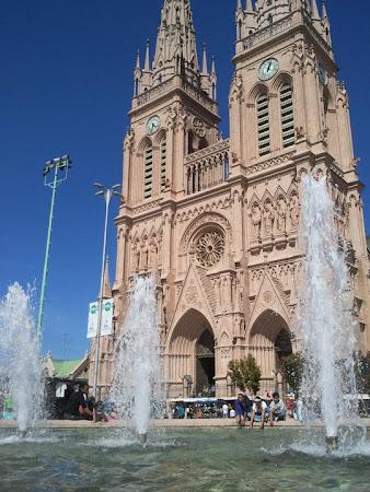 Obiective turistice Argentina: catedrala Lujan