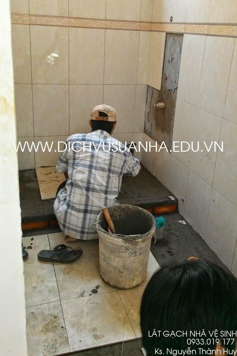 lát gạch nhà vệ sinh