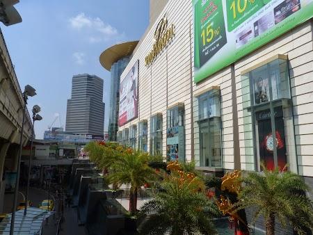 14. Malluri in Bangkok.JPG